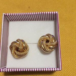 Jewelry - 18 carats flowery earring